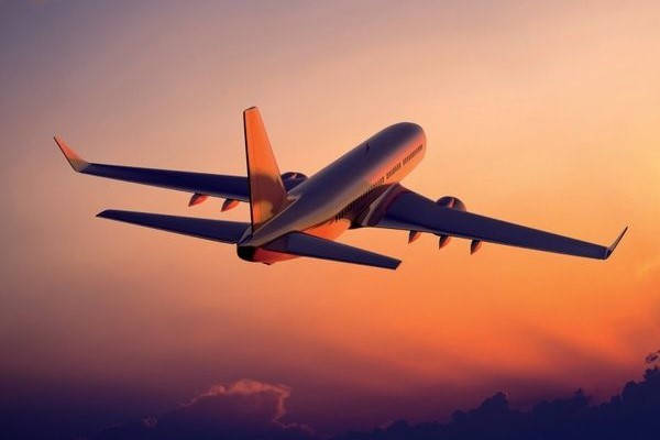 avión despegando requisitos para viajar de puerto rico a Estados Unidos