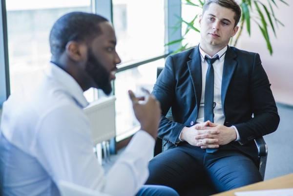 Requisitos para microemprendimientos hombres en junta
