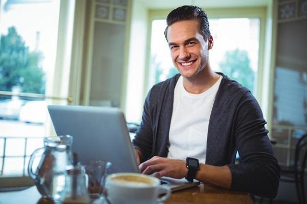 Hombre con PC