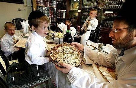 judios comiendo certificado kosher