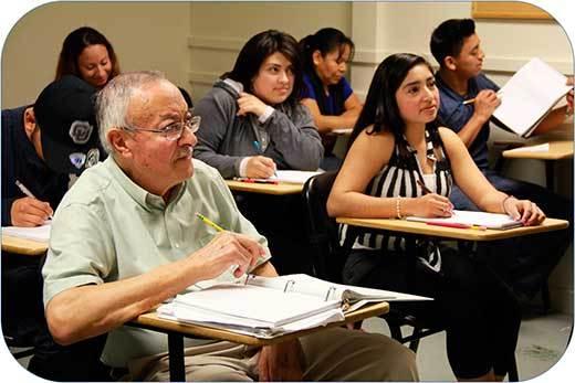 Adultos en clase