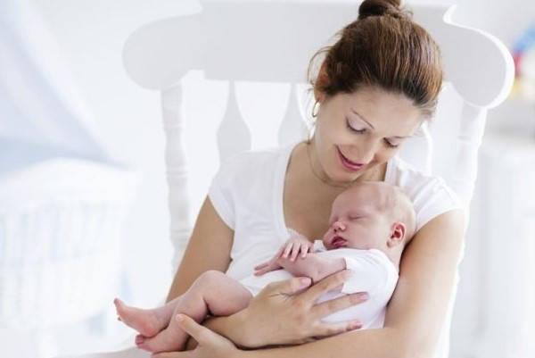 Certificado de nacido vivo madre y niño