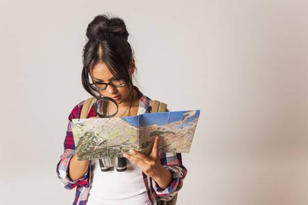 Certificado de nacido vivo mujer con mapa