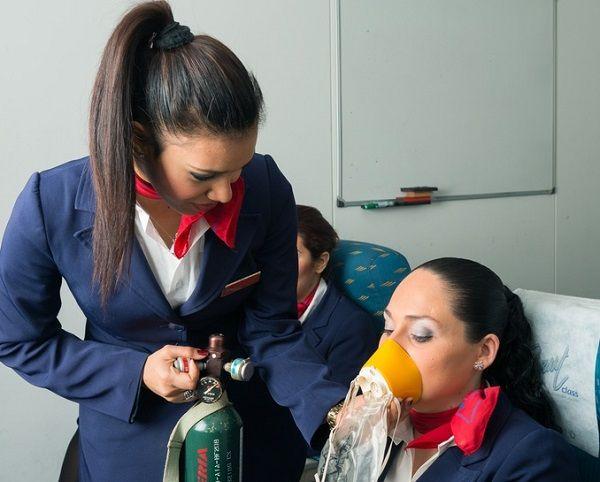 Qué hace una Azafata de vuelo