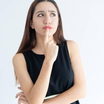 Mujer con duda Erasmus