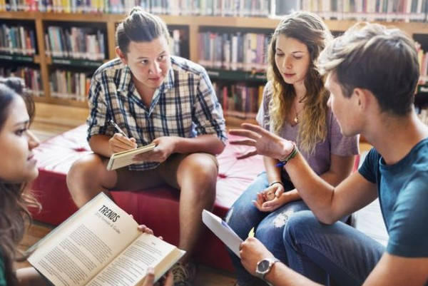 Requisitos para ir de Erasmus estudiantes librería