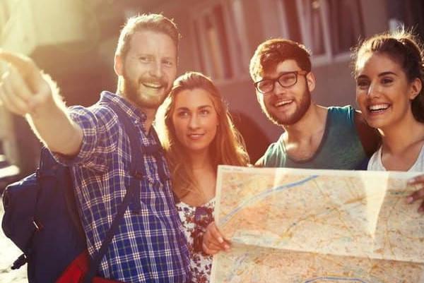 Requisitos para ir de Erasmus estudiantes viajando