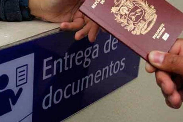 Formulario EX 10 entregando pasaporte