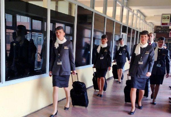Requisitos Para ser Aeromoza o Sobrecargo en Venezuela ▷ Guía【2020 】