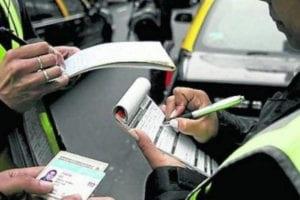 Como saber las Multas de Tránsito policías multando