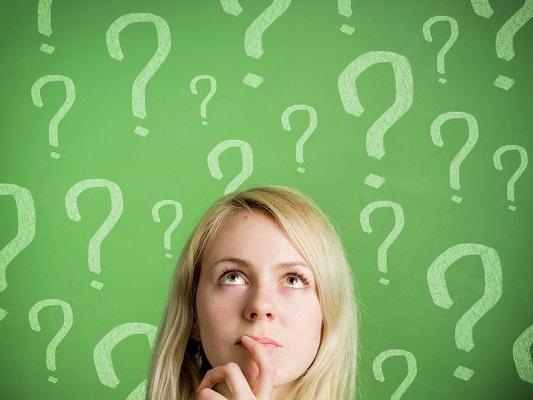 Mujer con Preguntas 1