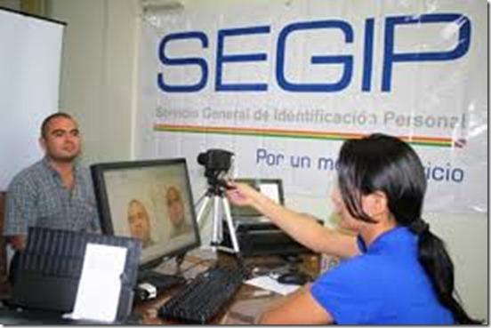 Ciudadanos lamentan caos y desinformación en el Segip La Paz – eju.tv