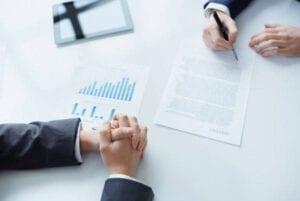 Requisitos para Traspaso de Vehículo explicando contrato