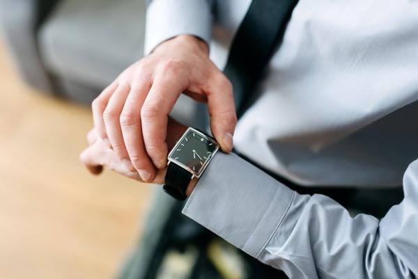 Requisitos para renovar la licencia reloj