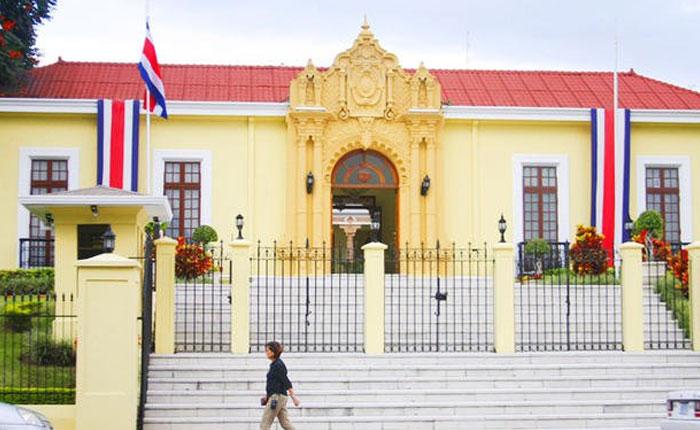 Venezolanos podrán hacer uso de su pasaporte vencido en Costa Rica ...