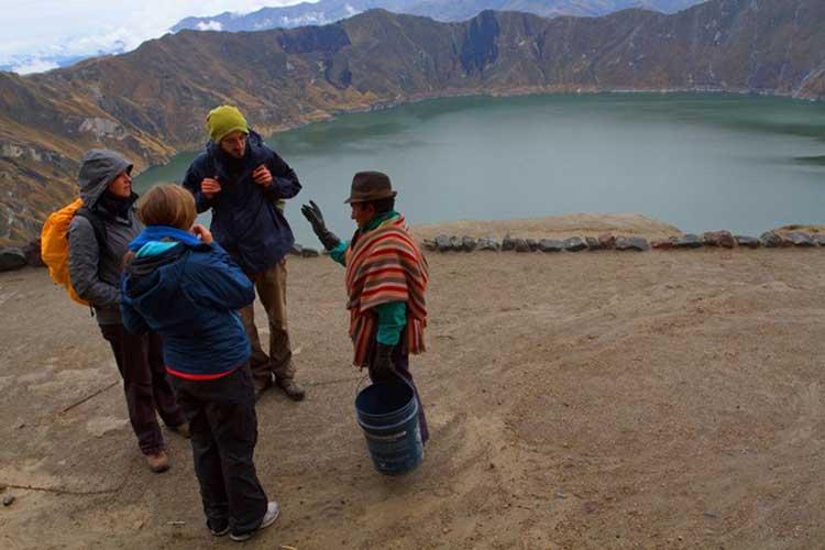 El Guía de turismo: ¿Cómo se define en Ecuador? - Entorno Turístico