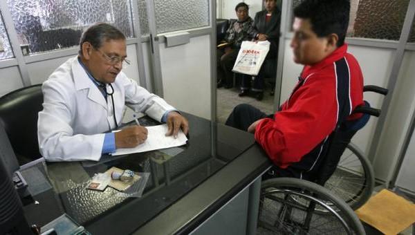 Requisitos para carnet de discapacidad hablando con medico