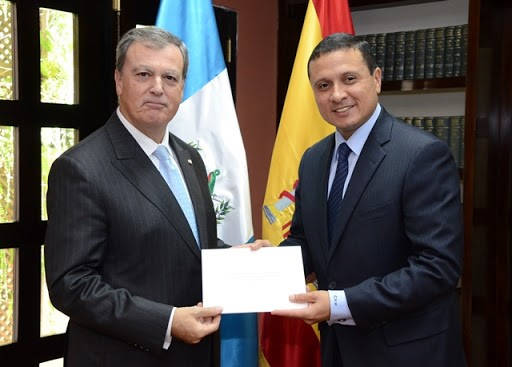 Requisitos para viajar a España embajadores