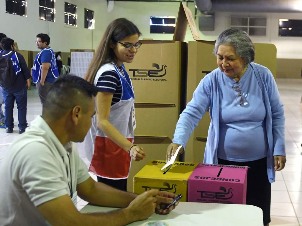 Triunfa la abstención en El Salvador — CELAG