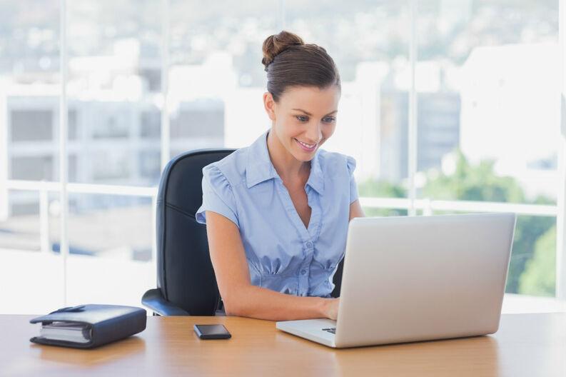 Cuida tu salud al trabajar en la computadora - MIA 93.9 FM